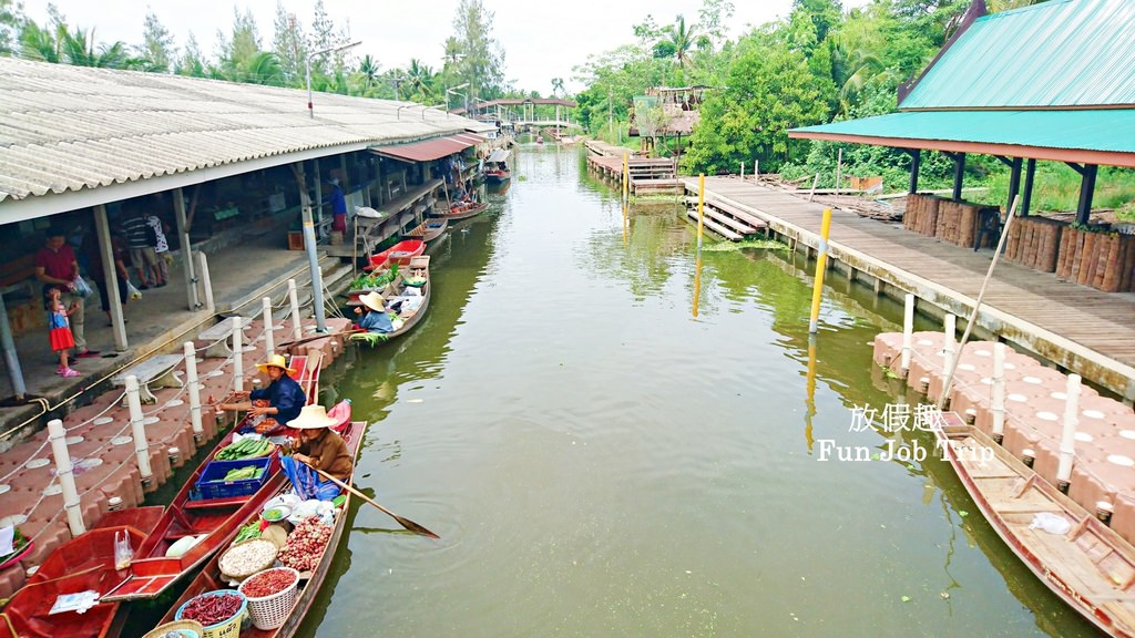 024Tha Kha Floating Market.jpg