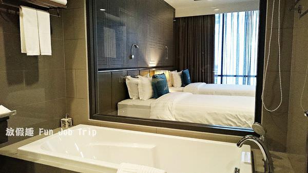 005Well Hotel Bangkok.JPG