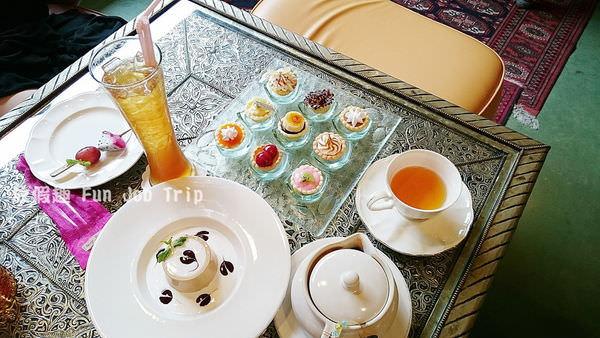 022vieng joom on teahouse.JPG