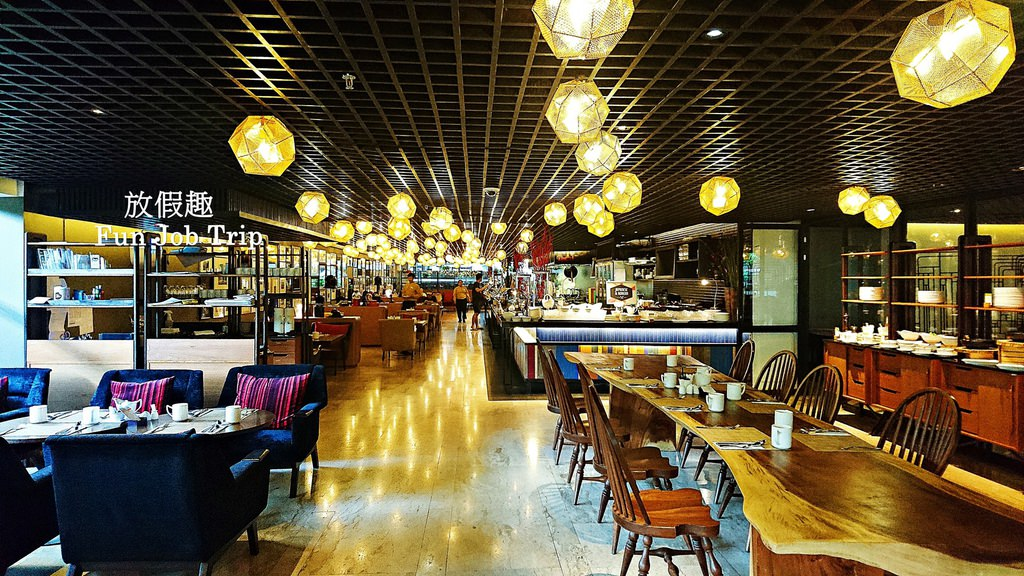 037.DoubleTree by Hilton Sukhumvit Bangkok.jpg