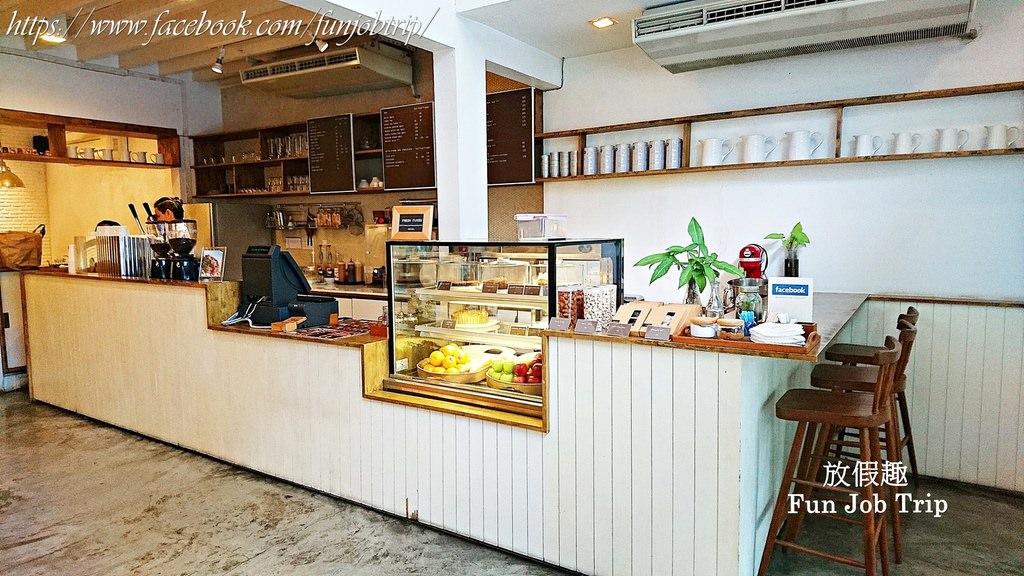 010.(班蘭葉鬆餅)Coffee break at li-bra-ry At Sukhumvit 24.jpg
