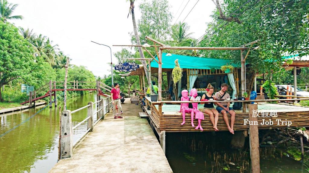 020Tha Kha Floating Market.jpg