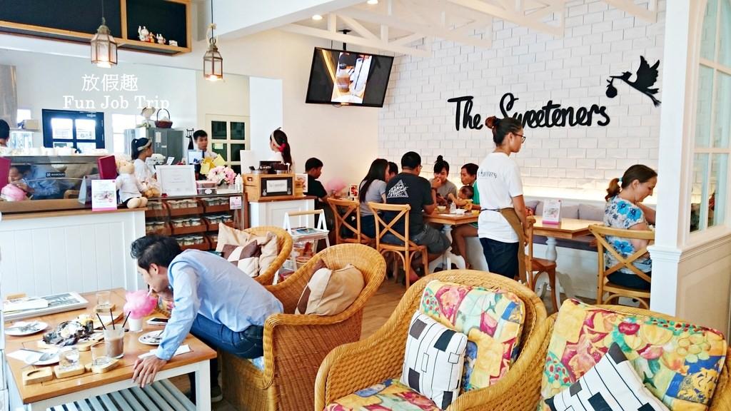 003The Sweeteners Pattaya.jpg