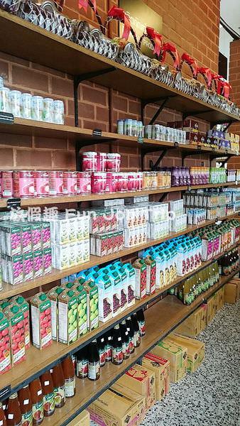 012泰國皇家計劃超市.JPG