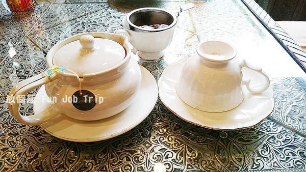 015vieng joom on teahouse.JPG