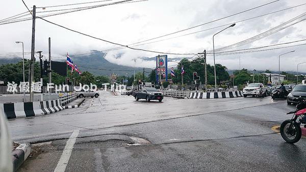 002泰國皇家計劃超市.JPG