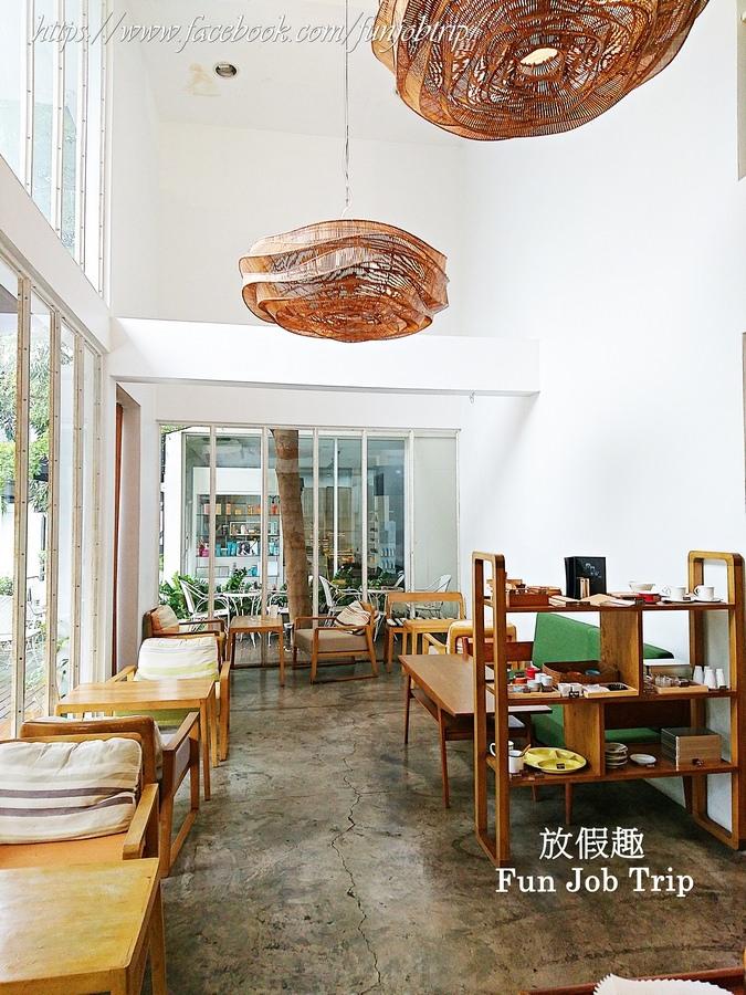 009.(班蘭葉鬆餅)Coffee break at li-bra-ry At Sukhumvit 24.jpg